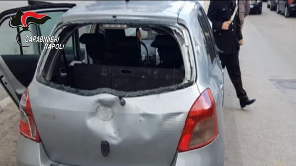 Rapina ad Acerra, il titolare del bar reagisce e spara: arrestati i rapinatori