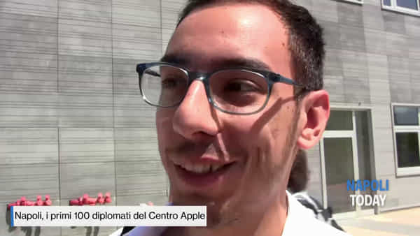Ecco i primi 100 diplomati dell'Apple Accademy |VIDEO