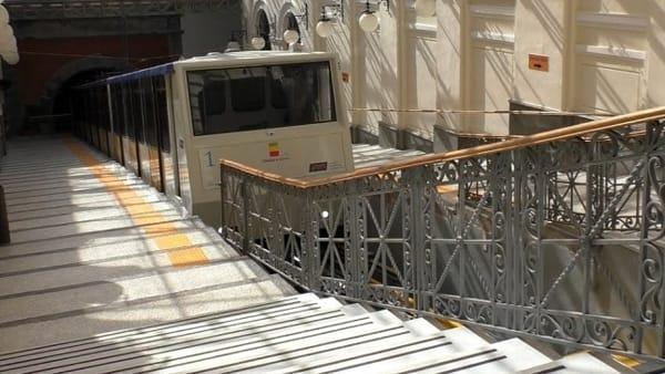"""Trasporti, de Magistris: """"Dal 2020 Metro e Funicolare fino all'1 o alle 2 di notte tutti i giorni"""""""