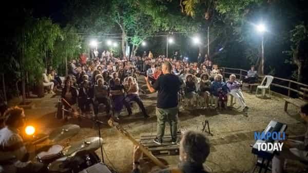 Jazz in Vigna: musica, cibo, vino e la Quartieri Jazz Orkestrine nei vigneti dei Campi Flegrei