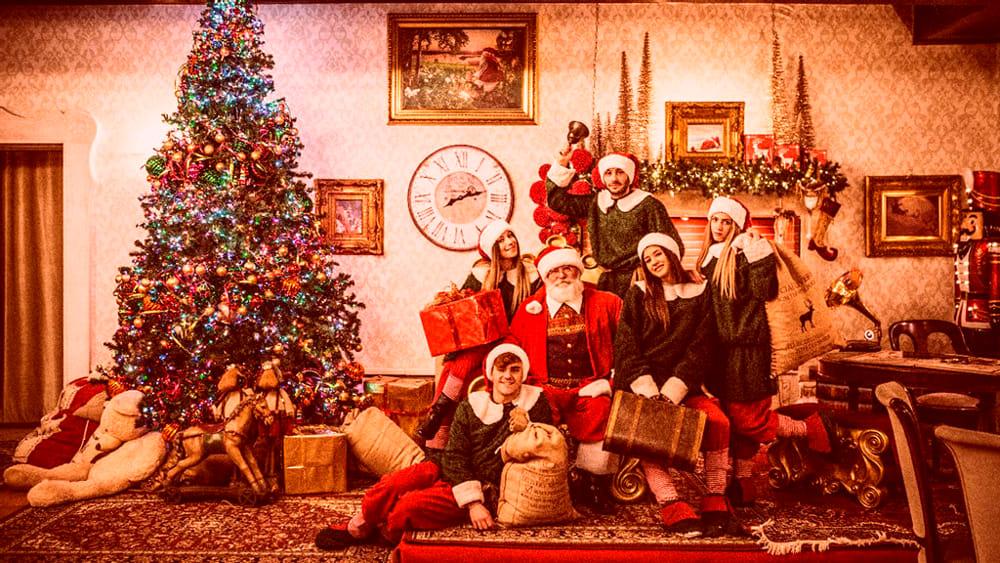 La Casa Di Babbo Natale Napoli.Torna La Valle Del Natale Mercatini Laboratori Spettacoli Elfi E Babbo Natale Eventi A Napoli