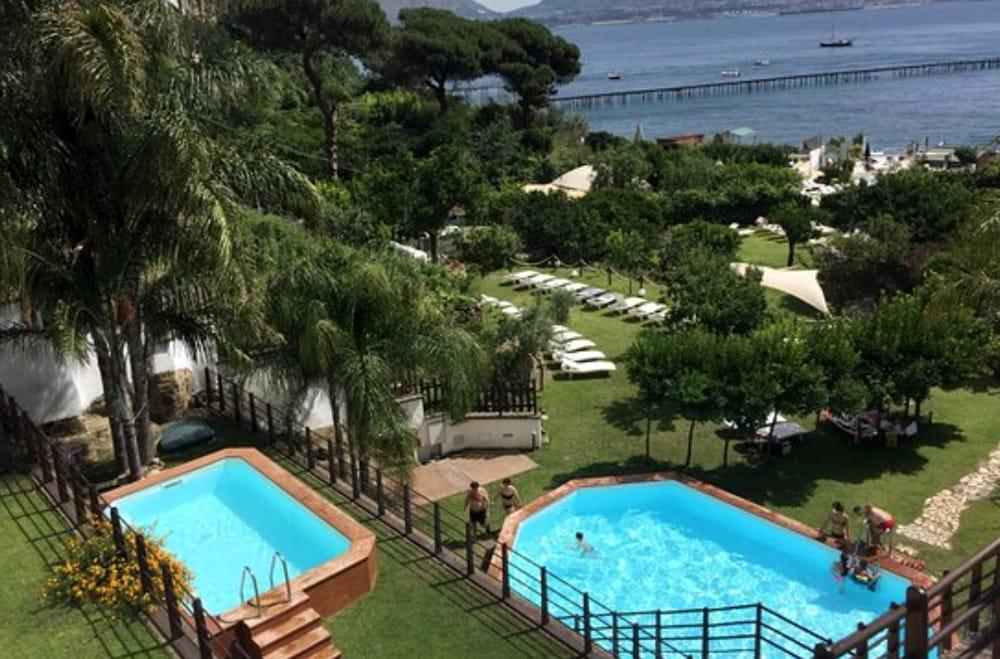 Le 7 Piscine All Aperto Di Napoli Più Cool Dell Estate 2018